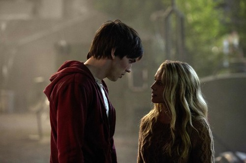 Warm Bodies Movie Обои called Warm Bodies - R & Julie