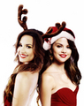 delena &lt;3 &lt;3 &lt;3  - selena-gomez-and-demi-lovato photo
