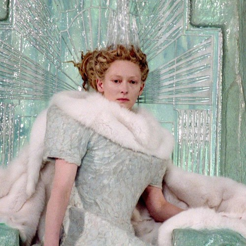 Jadis Queen Of Narnia wallpaper possibly containing a fur coat titled jadis