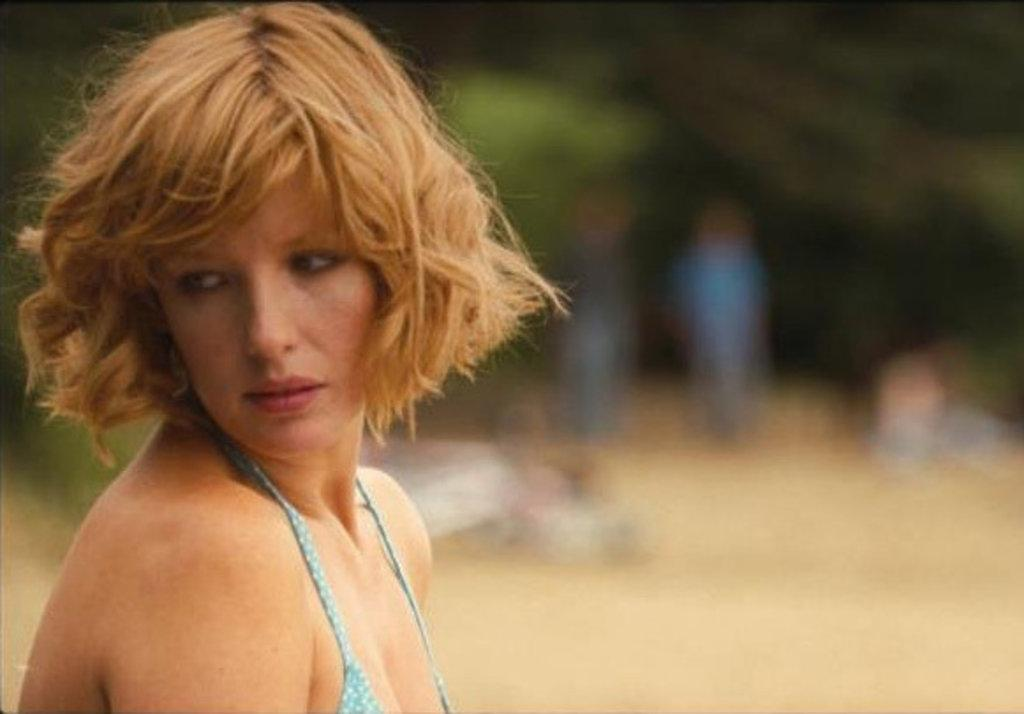 Kelly Reilly Hot 117