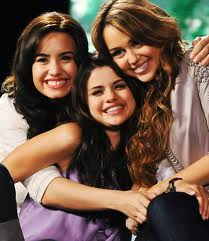 miley,demi,selly<3