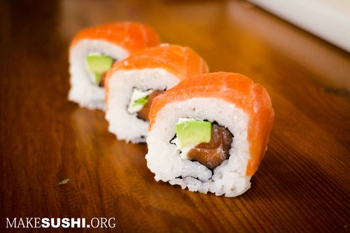 smoked salmon, salmoni sushi roll - sushi rolls