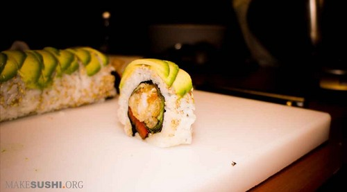 soft shell केकड़ा sushi roll