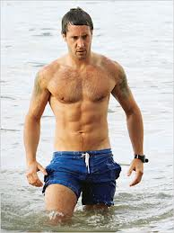Alex O'Loughlin in Hawaii 5-0