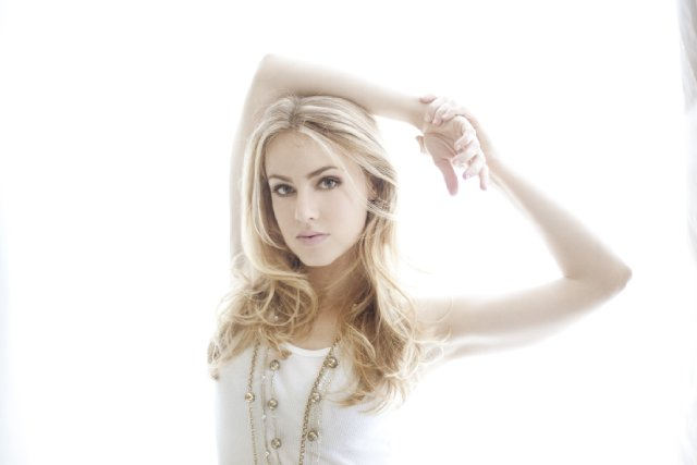 amanda schull in one - photo #18