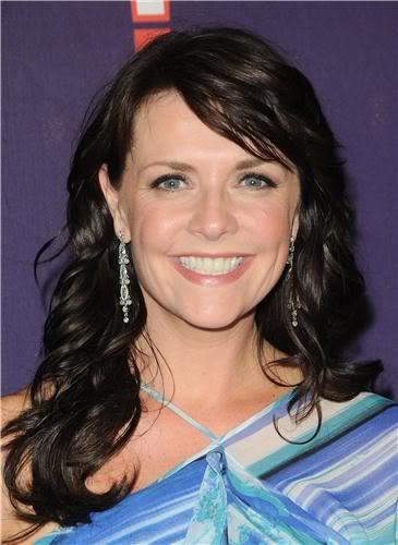 Amanda Tapping achtergrond containing a portrait called Amanda in 2011