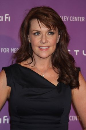 Amanda Tapping achtergrond containing a portrait and attractiveness called AmandaT