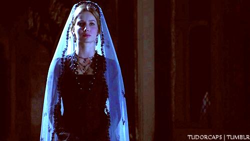 Annabelle Wallis as Jane Seymour