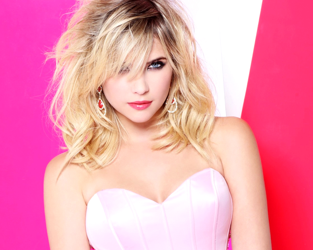 Ashley Benson Net Worth