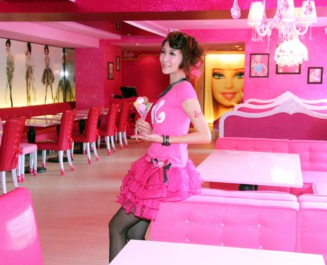 búp bê barbie Cafe on Taipei, Taiwan