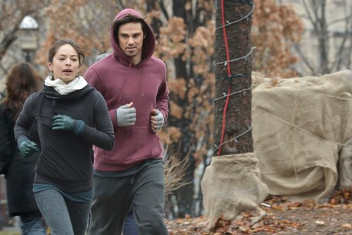 """Beauty and the Beast 1x13 """"Cold Turkey"""" Photos!"""
