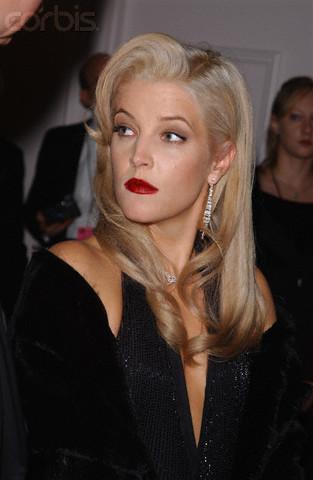 Lisa Marie Presley wolpeyper called Blonde LMP