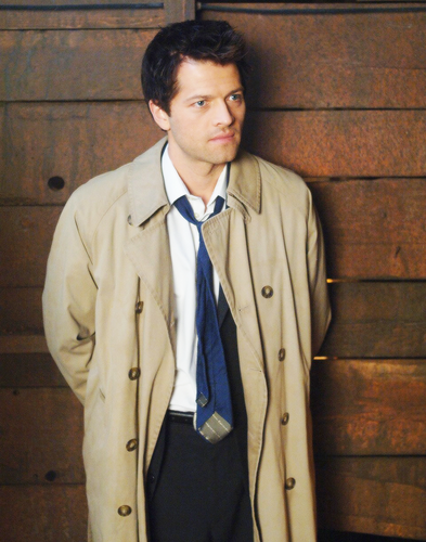 Supernatural wallpaper containing a trench coat titled Castiel