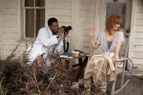 Denzel Washington and Kelly Reilly Flight 2012