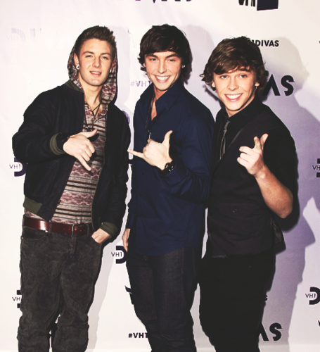 Emblem 3 wallpaper possibly containing a well dressed person and a business suit called Emblem3♥