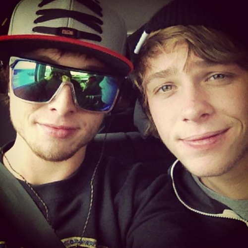 Emblem 3 wallpaper containing sunglasses called Emblem3♥