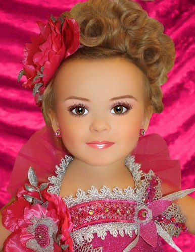 Super weird looking glitz photo - toddlers and tiaras Photo