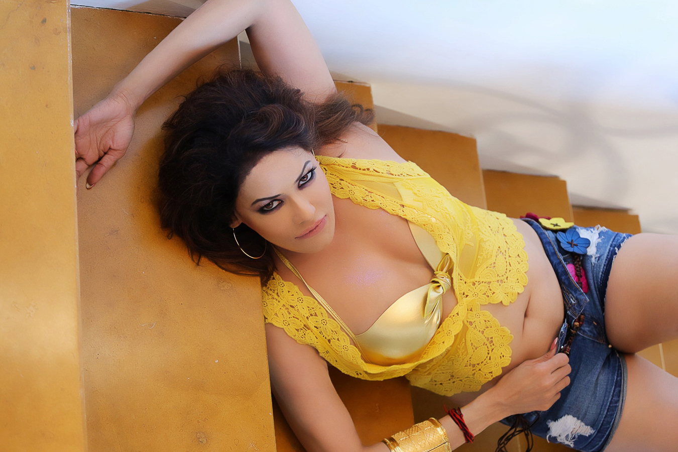HOt Poonam Jhawer चित्रो
