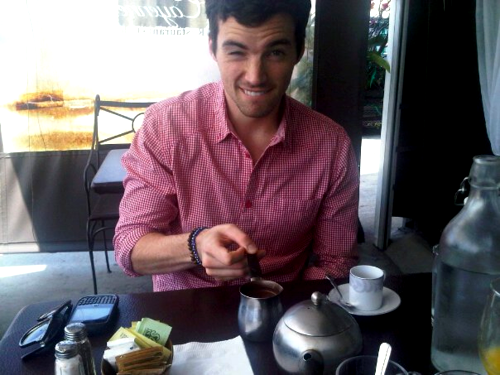 Ian Eating <3