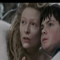 Jadis points to her house to Edmund