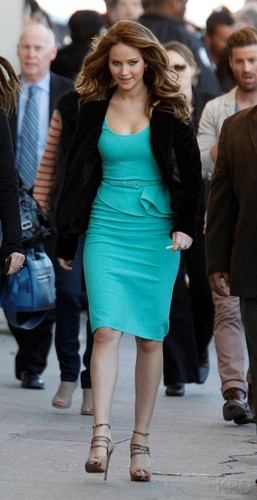 Jennifer arrives at Jimmy Kimmel Live 2013-01-31