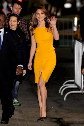 Jennifer leaves Jimmy Kimmel Live 2013-01-31