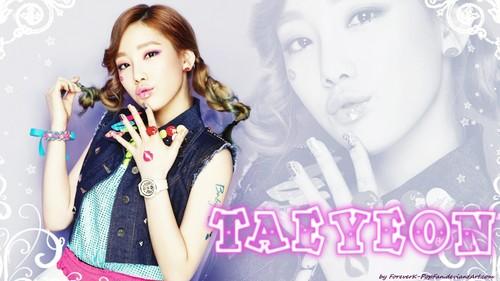 Kim Taeyeon karatasi la kupamba ukuta with a portrait titled Kim Taeyeon Kiss Me Baby-G kwa Casio