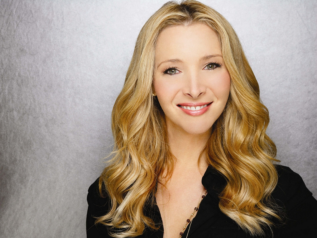 Lisa Kudrow earned a  million dollar salary, leaving the net worth at 60 million in 2017