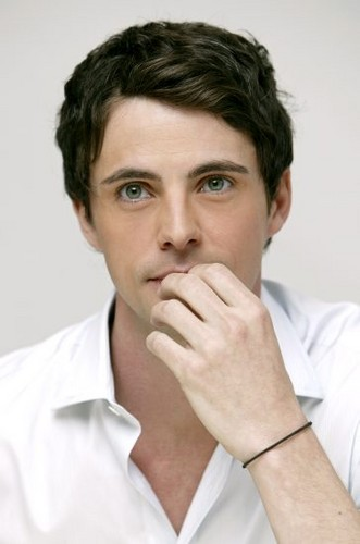 Pelakon Terhangat kertas dinding probably with a portrait titled Matthew Goode <3