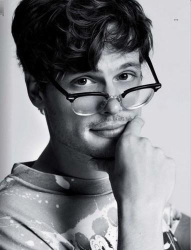 Matthew Gray Gubler wallpaper titled Matthew...mmm yummy!!!