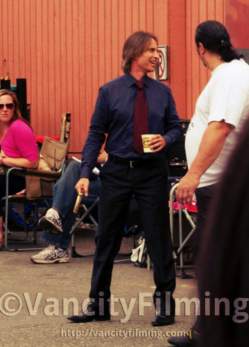 Mr. goud / Robert playing with his cane ^_^