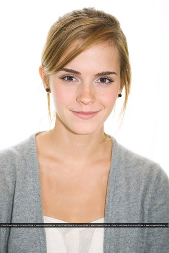 New HQ Portraits of Emma from 2009