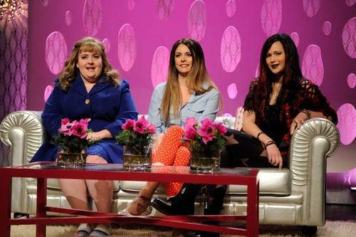 """New HQ stills: Jennifer hosting """"Saturday Night Live"""" {19/01/13}."""