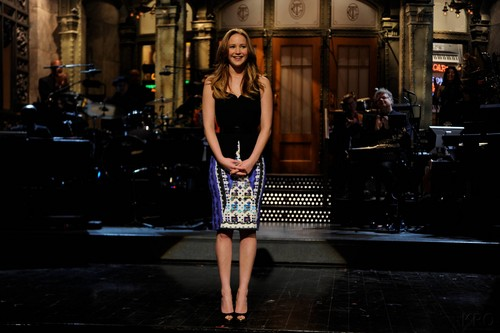 "New HQ stills: Jennifer hosting ""Saturday Night Live"" {19/01/13}."