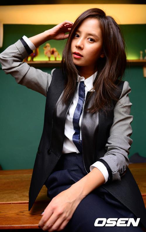 OBS NEWS Interview - Song Ji Hyo (송지효) Photo (33404915
