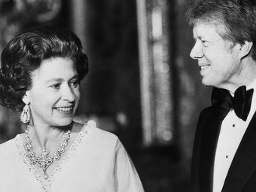 President Jimmy Carter with 皇后乐队 Elizabeth II at Buckingham Palace, 1977