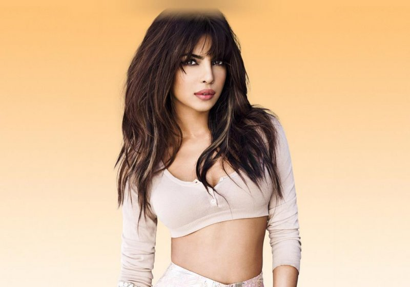 Priyanka-Chopra-s-official-Album-Photoshoot-2013-priyanka-chopra-33428462-800-561.jpg