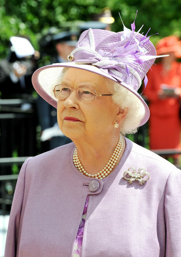 Ratu Elizabeth II kertas dinding probably with a boater and a fedora titled Queen Elizabeth II