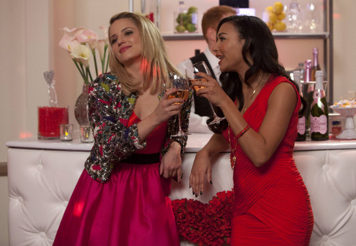Quinn Fabray wallpaper possibly containing a bridesmaid titled Quinn and Santana 4x14