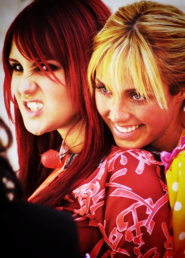 images6.fanpop.com/image/photos/33400000/RBD-Girls-anahi-and-dulcemaria-and-maite-33448959-644-900.jpg