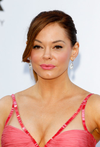 Rose McGowan / Cora