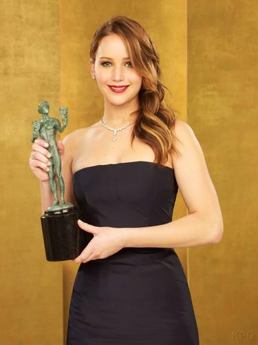 Screen Actors Guild Awards 2013: Jennifer's portrait session [HQ].