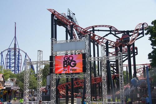Six Flags Over Texas Pandemonium - Rollercoasters Photo