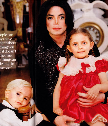 Paris Jackson wolpeyper titled The Jackson Family