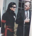 Visiting The White House Back In 1989 - michael-jackson photo