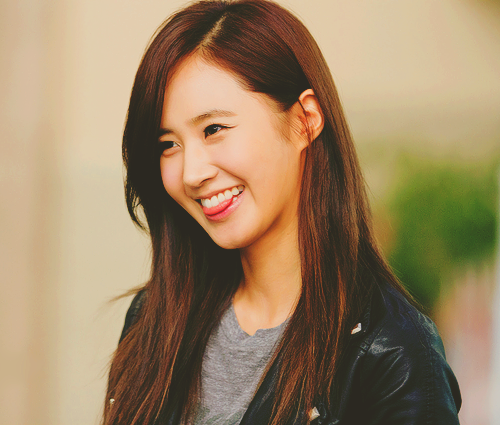 Girls Generation/SNSD wallpaper with a portrait called Yuri