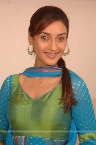 beautiful actress