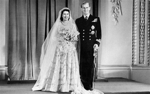 Ratu Elizabeth II kertas dinding entitled Queen elizabeth ii wedding