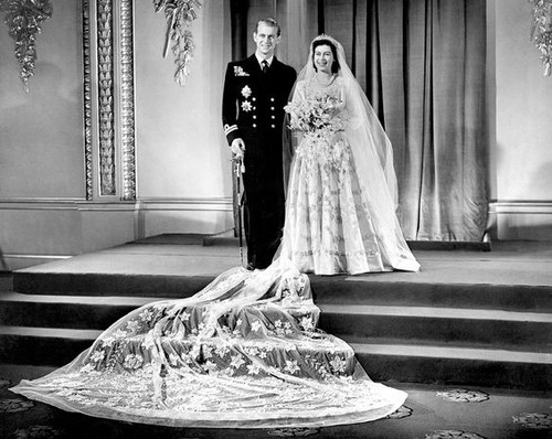 Queen Elizabeth II wallpaper titled queen elizabeth ii wedding