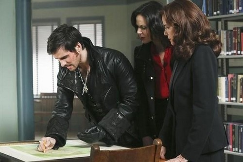 **•Hook, Gina & Cora 2x13-'Tiny'•**